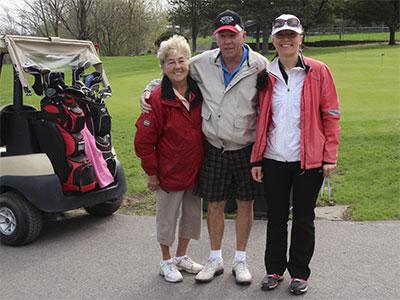 Golf-rose-between