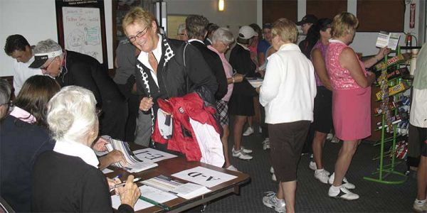 Golf-ladies-registration