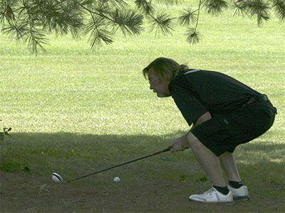 Golf-lining-up