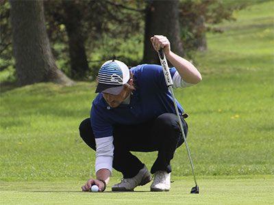 Golf-putt-2