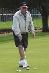 Golf-putt-4