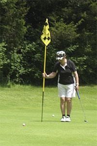 Golf-putt-7
