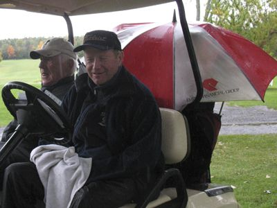 Golfers-in-cart-2