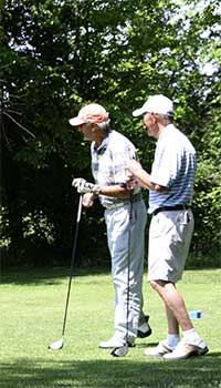 Golfers-on-16-tee